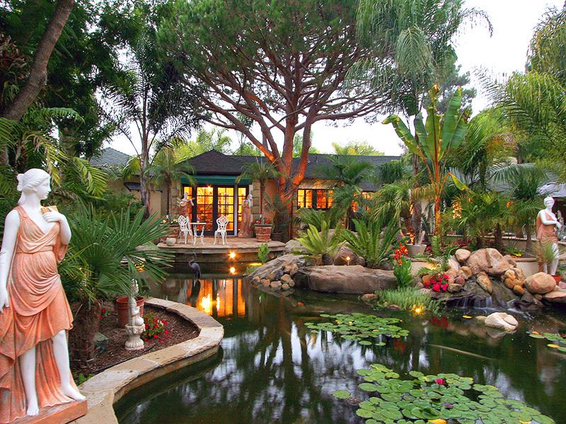 Luxury Properties - Large Homes